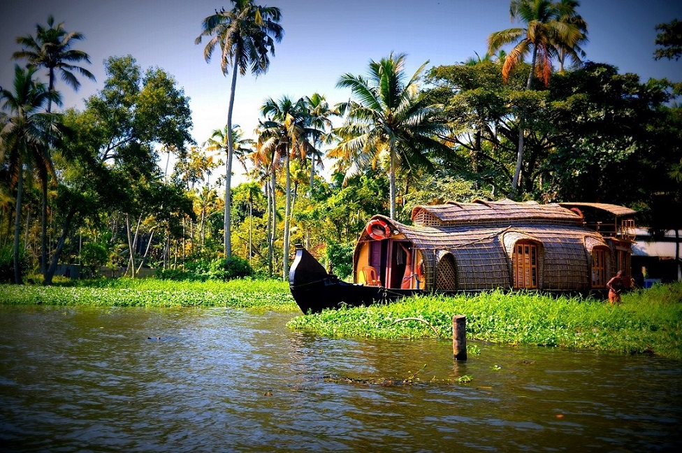 Houseboat backwaters